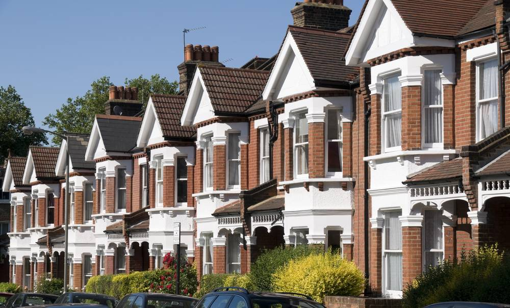UVH Blog - LANDLORDS: WHY YOU NEED AN AGENT TO RENT OUT YOUR PROPERTY NOW