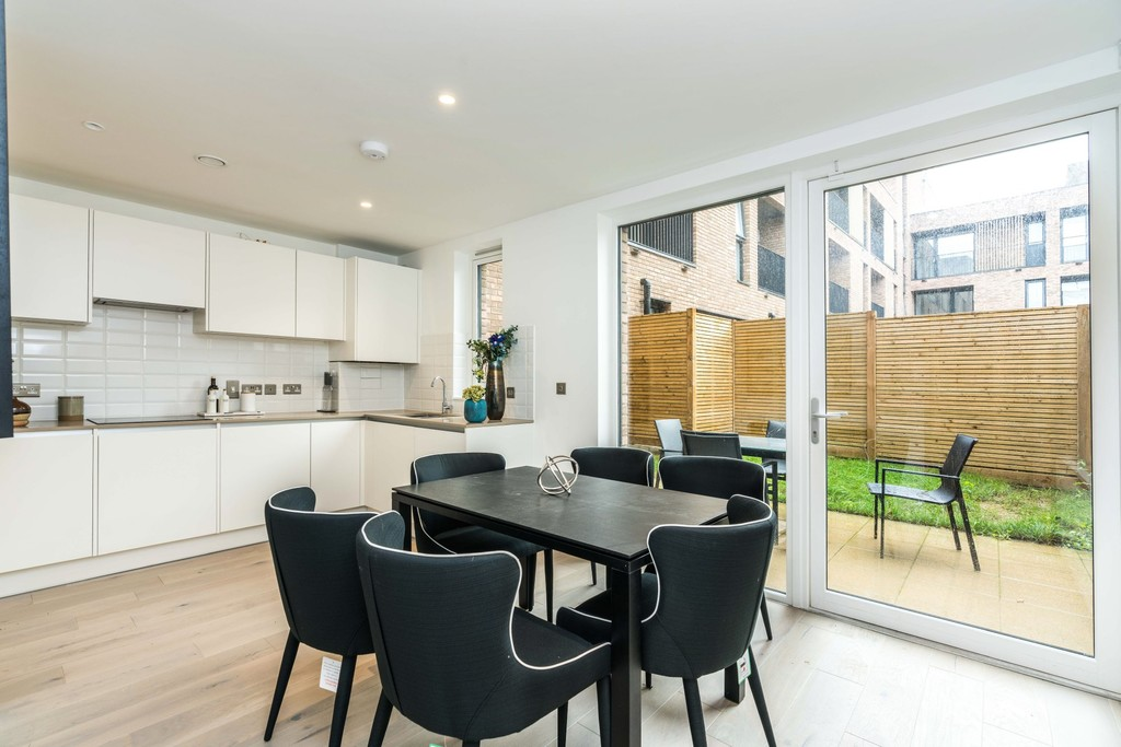 Urban Village Home - Lollard Street, London : Image 4
