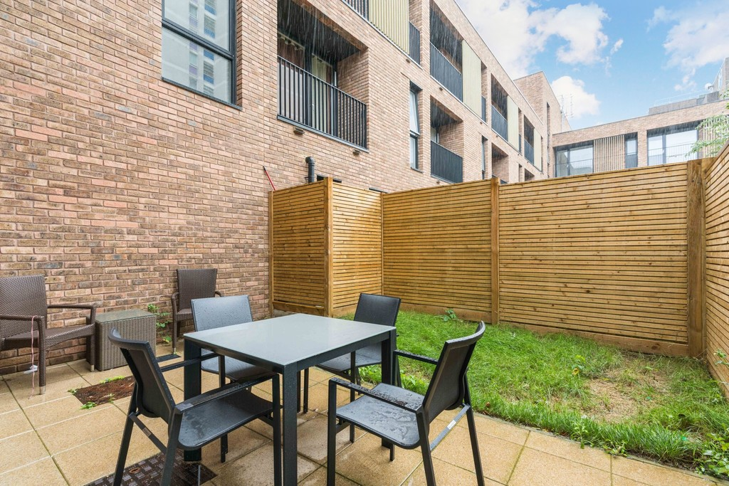 Urban Village Home - Lollard Street, London : Image 5
