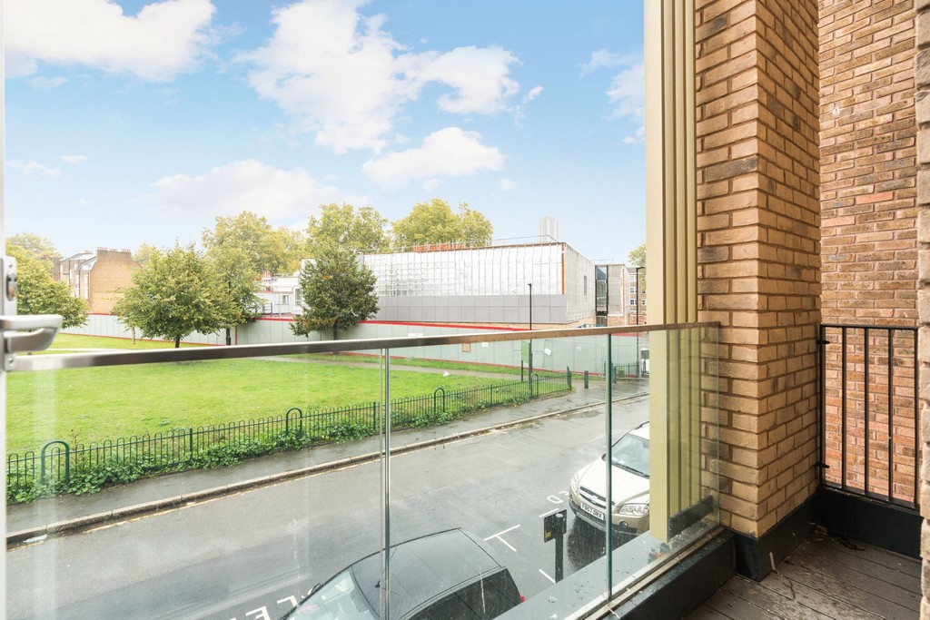 Urban Village Home - Lollard Street, London : Image 17