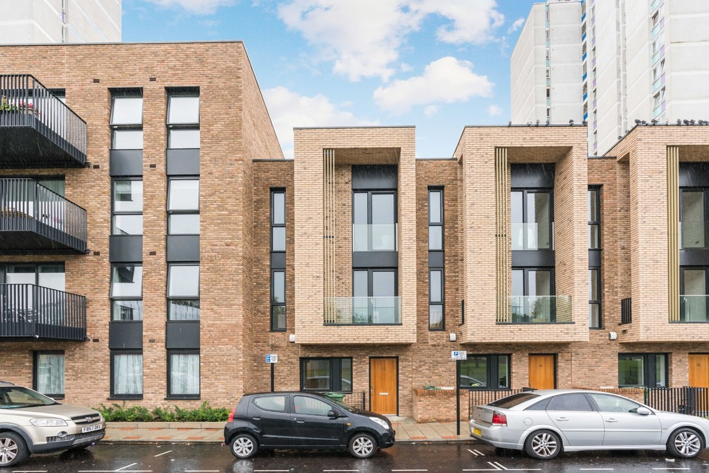 Urban Village Home - Lollard Street, London : Image 2